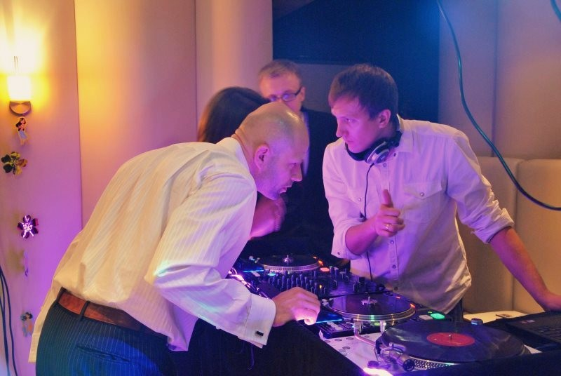 MIXTURA - DJ Saksofon Skrzypce - zespoly-wesele.pl